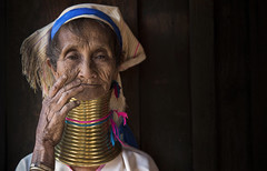 Donna Padaung (silvia pasqual) Tags: old travel portrait people woman color colors face canon neck asian photography eyes women asia long village hand state burma culture human elderly age portraiture older myanmar traveling tradition tribe traveler 6d padaung kayan birmania kayah karenni