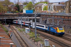 St Paul's Road Junction (papercliponawire) Tags: innercity stpancras hst class43 intercity125 midlandmainline 43059 eastmidlandstrains 1b60 stpaulsroadjunction