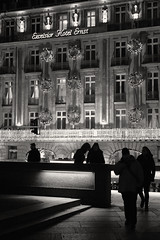 Kln / Cologne (Germany): Excelsior Hotel Ernst (wwwuppertal) Tags: blackandwhite bw monochrome germany deutschland shadows darkness nightshot noiretblanc nacht cologne kln nrw sw monochrom schatten nordrheinwestfalen nachtaufnahme dunkelheit northrhinewestphalia schwarzweis nikond3300 afsdxnikkor35mmf18g nikonafsdxnikkor35mm118g