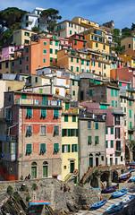 Riomaggiore. Cinque Terre, Italie (jjcordier) Tags: port village cinqueterre maison couleur italie riomaggiore tourisme
