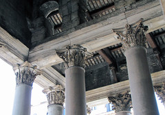 Pantheon porch truss