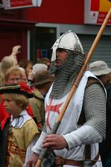 IMG_7479 (leroux.maximilien62) Tags: france helmet medieval knight normandie chevalier armour calvados bayeux chainmail ritter casque armure mdivales kreuzritter crois kettenhemd ftesmdivales haubert