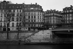 (Digital-Fragrance) Tags: street leica white black paris architecture 35mm dark photography photo system m ii m8 asph nokton voigtlnder f12