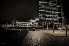 Vorplatz EZB (cleversurf) Tags: ffm ezb osthafen