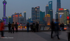 Bund On The Move (ZUCCONY) Tags: china night cn asia shanghai bobby 2016 shnaghai zucco shanghaishi bobbyzucco pedrozucco