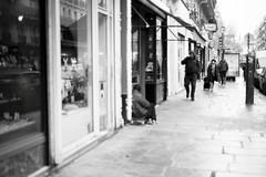(bady wong) Tags: city portrait bw streetart man noiretblanc nb contraste society rue sdf socit homme trottoir argentique reportage urbain urbanisme indignation mendiant photoreportage photographieargentique