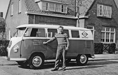 Volkswagen Transporter kombi (Wouter Duijndam) Tags: en eindhoven holman vlag zonen friesche koffiemelk rf3592 spijlbusreclame rn3592 jholmanzn
