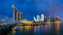 i Light Marina Bay (hak87) Tags: bridge blue skyline museum marina bay singapore hour helix sands mbs ilight artscience