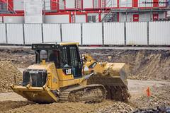 CAT 953D (Alexandre Prvot) Tags: construction construccin lorraine worksite buildingsite travaux chantier cugn grandnancy baustellebauplatz