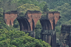 Broken bridge (Vincen Chuang) Tags: bridge sony taiwan railway  tra       sanyi   miaolicounty   thebeautyoftaiwan longtengbridge oldmountainline fe70200mmf4goss a7rii yutengpingbridge