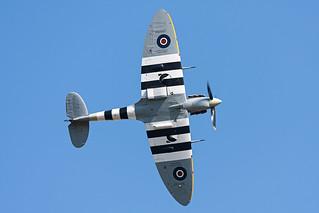 BBMF Spitfire AB910