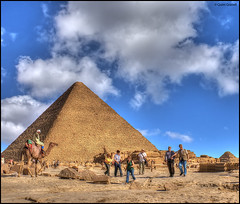 (2221) Giza Pyramids (QuimG) Tags: people architecture golden pyramid gente egypt olympus gent giza gizapyramids specialtouch quimg quimgranell joaquimgranell afcastell obresdart xtrmhdr