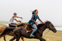 Catch me if you can (0595) (nicolasnicophoto) Tags: voyage road travel people horse game de la asia central silk culture route asie kyrgyz kyrgyzstan soie centrale kez cong jailoo kirghizstan kumai kirghize djailoo congkl