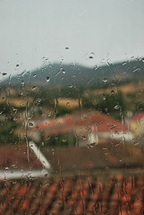It's raining outside (M. Martn Gmez) Tags: espaa rain drops lluvia spain nikon gotas salamanca    salamancaprovincia