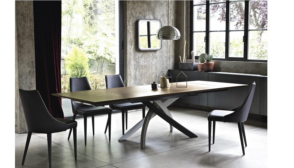 Tavoli e sedie stile moderno lecce e provincia foto for Arredamenti lecce e provincia