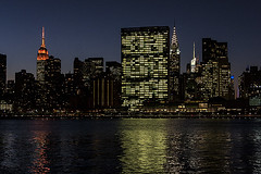 Skyline Manhattan al anochecer (jorgemu77) Tags: new york usa building skyline ro river island atardecer long manhattan edificio queens hudson nueva anochecer rascacielo