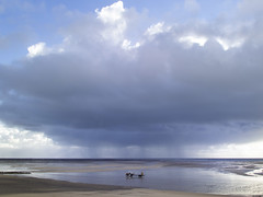 Coutainville (Bernard Lunel) Tags: light sun seascape storm beach soleil marine normandie normandy plage manche englishchannel tempete coutainville agoncoutainville