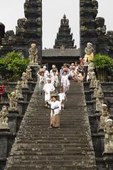 Besakih - Aufgang zum Mutter-Tempel Balis; Indonesien (4) (Chironius) Tags: bali indonesia besakih indonesien