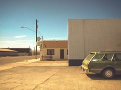 high noon (Jo-H) Tags: oregon rural vintage motel burns vehicle smalltown americanwest stationwagon