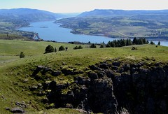 Two on the Ridge by Jim (alpenglowtravelers) Tags: coyote wall river columbia gorge