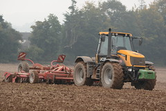 JCB 2155 Fastrac Tractor with a Horsch Joker 5 RT Cultivator (Shane Casey CK25) Tags: county ireland horse irish plant tractor field work pull hp corn nikon traktor power jcb earth 5 farm cork farming working cereal grow machine ground machinery soil dirt till crop land joker crops growing farmer agriculture dust disc cereals eci pulling rt cultivator tracteur trator horsepower harrow tilling minimum trekker cultivating agri harrowing tillage cignik fastrac 2155 traktori horsch discing ballyhooly d7100 mintill lowtill
