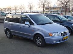 2002 Hyundai Highway Van (harry_nl) Tags: netherlands nijmegen nederland hyundai trajet 2016 hcar sidecode6 highwayvan 85bfjt