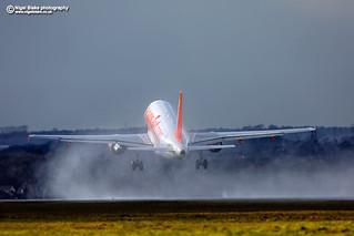 G-EZFY easyJet Airbus A319-111