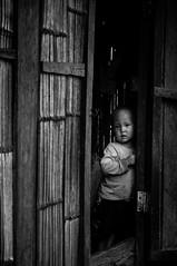 Thai-549 (nico.pedicone) Tags: occhi sguardo bimbo dolcezza povert