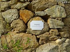 Sdtirol - South Tyrol (Italy) - Alto Adige - Italia > In und um  Algund (Lagundo)  2016 (warata) Tags: italien italy alps italia schild alpen sdtirol altoadige southtyrol dolomiten 2016 weinberge hinweisschild algund