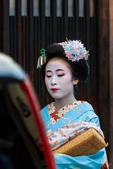 Geisha/Maiko, Gion, Kyoto (basti_m28) Tags: japan kyoto maiko geisha gion camera:make=canon exif:make=canon geo:country=japan geo:city=kyoto geostate exif:lens=18200mm exif:focallength=200mm exif:aperture=63 camera:model=canoneos600d exif:model=canoneos600d exif:isospeed=640 geo:location=geishamaikogion geo:lon=13577501388889 geo:lat=35003397222222