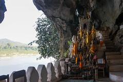 062. Laos. La grotte de Pak Ou, lieu de plerinage (beatrice.boutetdemvl) Tags: statue buddha bouddha ou sacred cave laos sacr grotte pak bouddhisme
