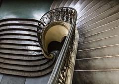 Curved (michael_hamburg69) Tags: stairs germany deutschland cityhall treppe staircase townhall rathaus potsdam brandenburg stadthaus 1907 treppenhaus friedrichebertstr7981