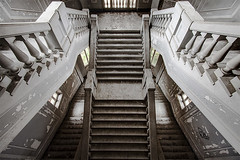 (ilConte) Tags: abandoned scale stairs decay asylum abbandono ospedalepsichiatrico