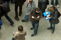 Hungry? (pix-4-2-day) Tags: street food woman man look lunch funny view top scene hunger lustig mann hungry frau sandwiches blick packed birdseye vogelperspektive hungrig strasenszene