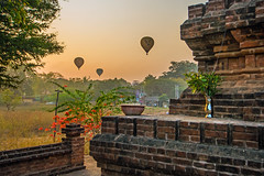 balloons + temple at bagan, myanmar (Russell Scott Images) Tags: sunrise temple pagoda hotairballoons bagan myanmarburma