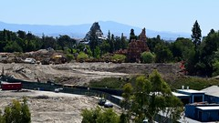 Disneyland Visit - 2016-04-24 - Star Wars Land Construction - Central View (drj1828) Tags: us starwars construction disneyland visit matterhorn anaheim dlr bigthundermountain 2016 starwarsland