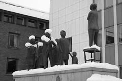 Folksamling (Anders Bromell) Tags: folksamling folktalaren fotosondag fs160124 boråsstadshus