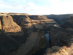 Basalt carved by massive floods (edenseekr) Tags: iceage geology floods basalt palouse rockoutcrops