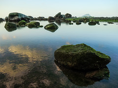 (Y.P. Jhou) Tags: sky cloud reflection rock taiwan seashore