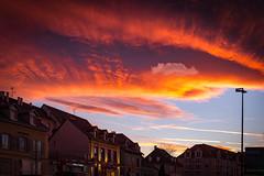 Le ciel par-dessus les toits (Clydomatic) Tags: colmar ciel nuage soir ville coucherdesoleil immeubles