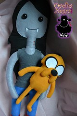 Marceline e Jake (ovelhanegra_toys) Tags: handmade artesanato felt feltro manualidades festainfantil fieltro feltcraft kee feitoamo ovelhanegratoys