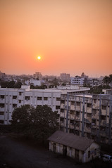 Sun setting on Navsari (Harold Brown) Tags: travel sunset summer india building evening nikon cityscape outdoor citystreets gujarat navsari nikond90 haroldbrown bhagavideocom kaliawadi haroldbrowncom photosbhagavideocom harolddashbrowncom
