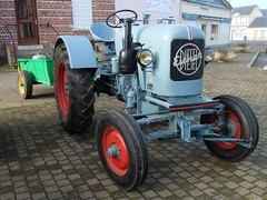 Tracteur EICHER avec remorque (xavnco2) Tags: old blue tractor france green club traktor diesel farm farming meeting bleu oldtimer trailer verte tracteur picardie ancien vecchio trattore somme agricoltura 2016 vrp eicher raduno remorque agricole rassemblement harbonnires