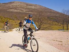 Cycling to Cer (rante_to4ak) Tags: road trees sky mountains building cycling team ride bikes bicycles dirt macedonia biking peaks asphalt pusta reka cer makedonija krusevo drugovo bicyclemk
