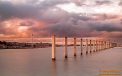 DSC01773.jpg (avi_olmus) Tags: barcelona pilar arquitectura agua forum amanecer invierno nube cokin rompeolas filtros p2101 raymaster
