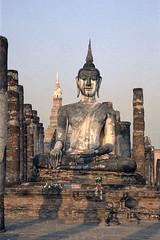 Sukhothai - Thailand (wietsej) Tags: thailand temple minolta 9 20 sukhothai xi buddishm