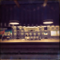 Olympia Einkaufszentrum 1 (Casey Hugelfink) Tags: people mall subway munich mnchen metro stripes platform streetphotography seats shoppingmall ubahn subwaystation bahnsteig ubahnstation metrostation streifen oez olympiaeinkaufszentrum