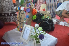 TIM DISHUB RAIH JUARA FAVORIT LOMBA MENGHIAS TAS GONI DALAM PERINGATAN HARI KARTINI Minggu (24/04/2016) (Dinas Perhubungan Kota Surabaya) Tags: terminal jalan sekolah kota surabaya dinas transportasi parkir jonan irvan kementerian emisi pemkot lalulintas perhubungan dishub kepolisian keselamatan bungurasih menhub purabaya irvanwahyudrajad dishubkominfo kemenhub llaj ujikir jukir httpswwwfacebookcomdinasperhubungankotasurabayasurabayatransportdepartment102421616507356 httpsitsdishubsurabayagoidver2home httpstwittercomsbytrafficserv httpswwwyoutubecomuserdishubsurabaya httpdishubsurabayagoid