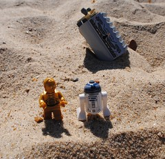 Lego Star Wars A New Hope, C3-PO and R2-D2's Escape Pod (Connor Wolve) Tags: star lego r2d2 wars c3po legography