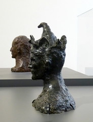 P1010287 (Freddy Pooh) Tags: sculpture paris bronze fou pablopicasso maxjacob musepicasso miquelbarcelo musepicasso